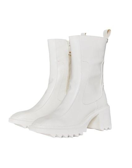 Ola Boots